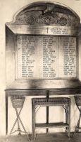 tablica_z_nazwiskami_pierwotna